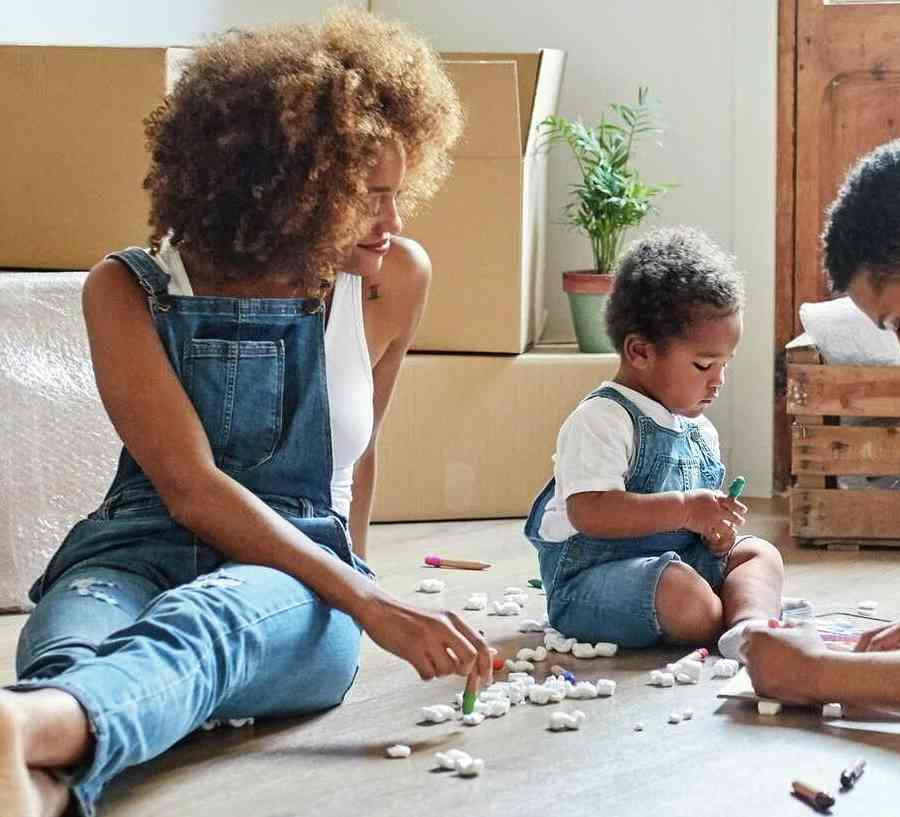 iStock-1091357892_family qith moving boxes coloring.jpg